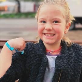 Pulseras de tela solidarias infantiles contra el cáncer Fundción Josep Carreras