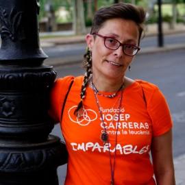 Camiseta solidaria contra el cáncer Fundación Josep Carreras catalán